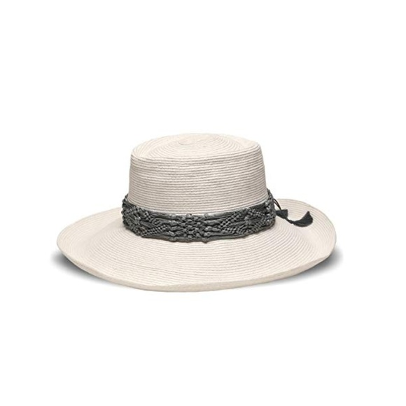 367057e1367 Straw Plantation Hat with Macrame Trim NWT!